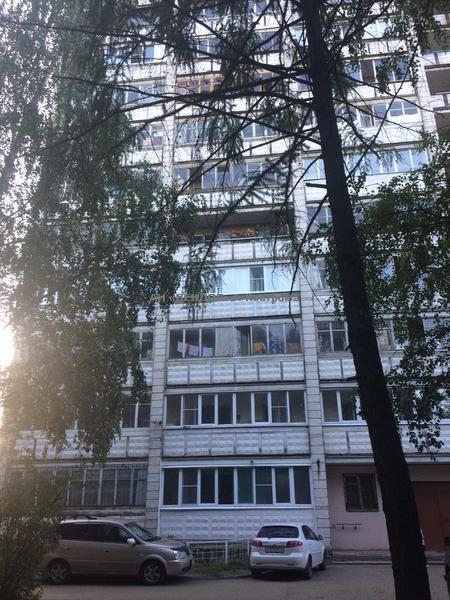 <div>Квартира 4-комн., 75м<sup>2</sup></div><div><b>Ленина ул, 103</b></div><div>2 700 000 руб.</div>
